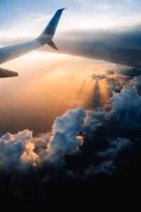 Flugangst Tipps - Blick aus dem Fenster eines Flugzeugs