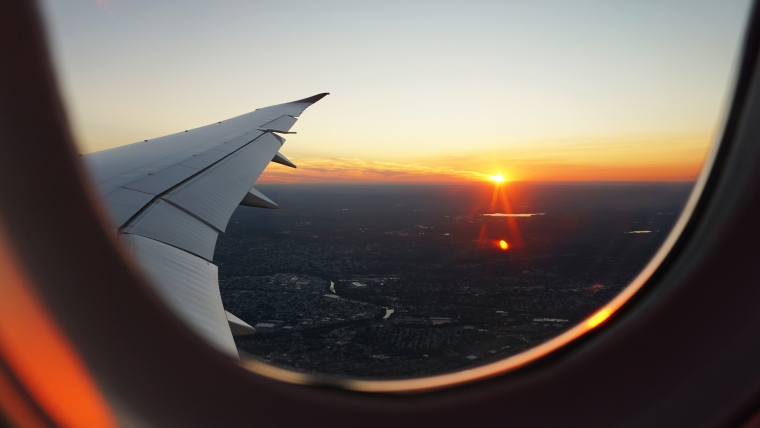 Flugthrombose - Blick aus dem Flugzeug-Fenster