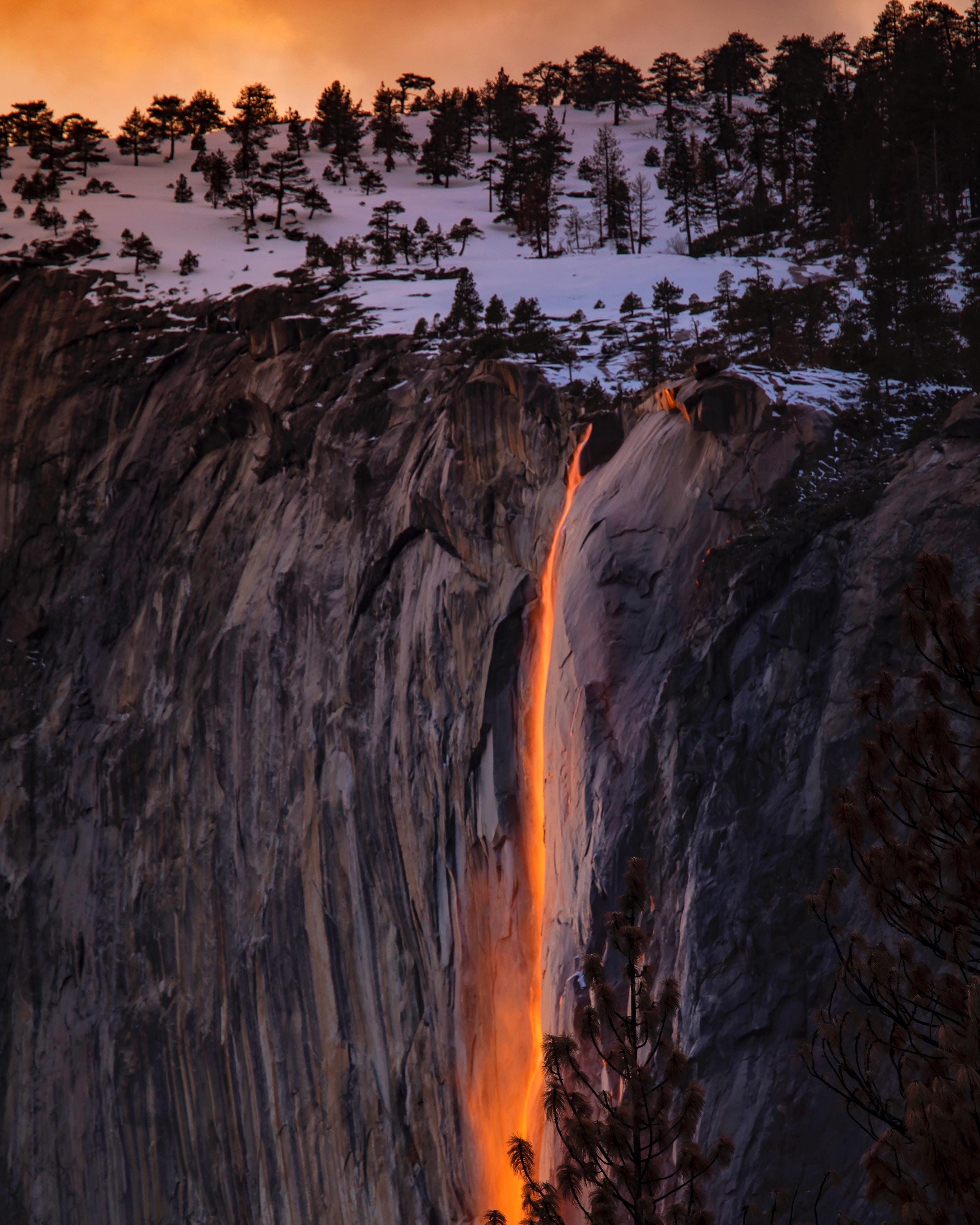 Außergewöhnliche Orte - Der goldene Wasserfall vom Yosemite Nationalpark
