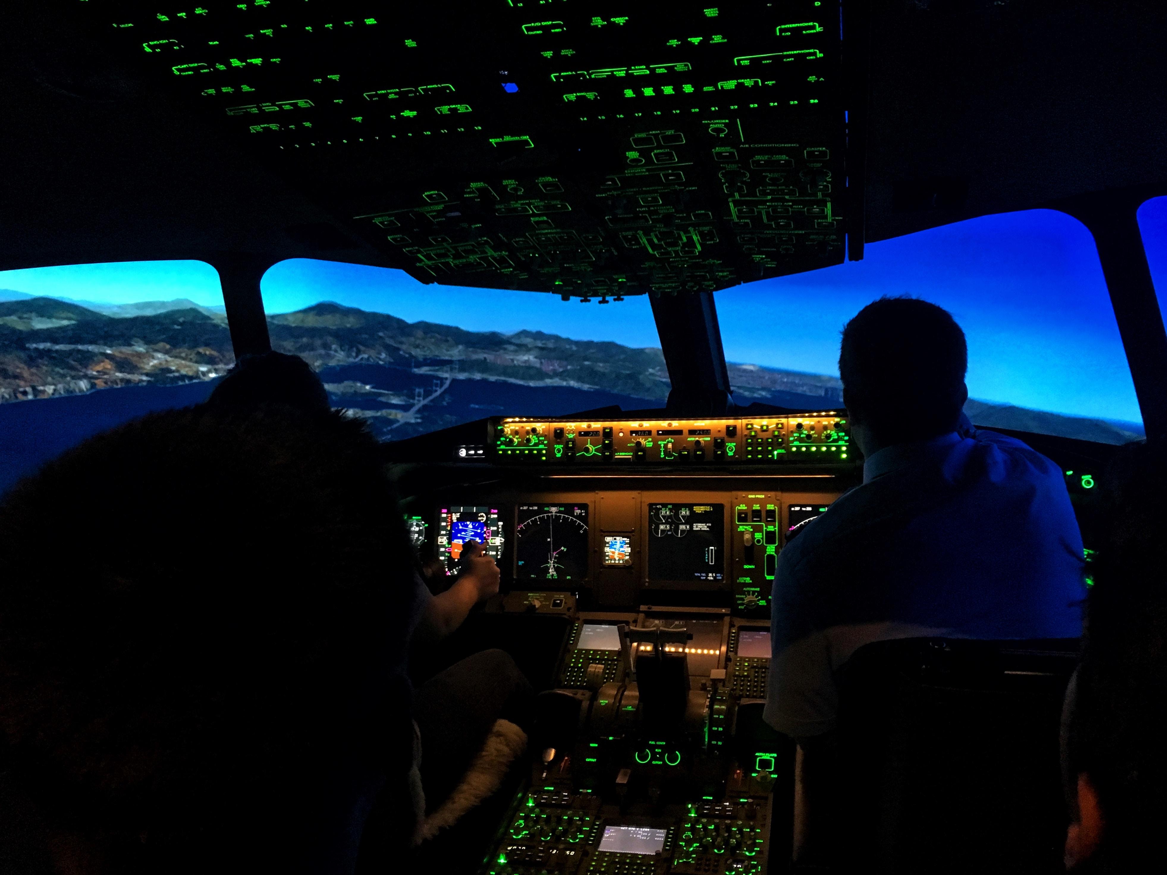 Flugangst bekämpfen - 30 Fragen und Antworten einer Stewardess